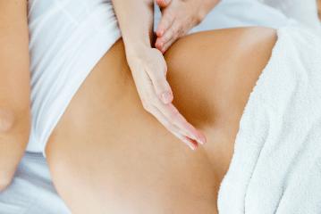 Massage abhyanga femme enceinte