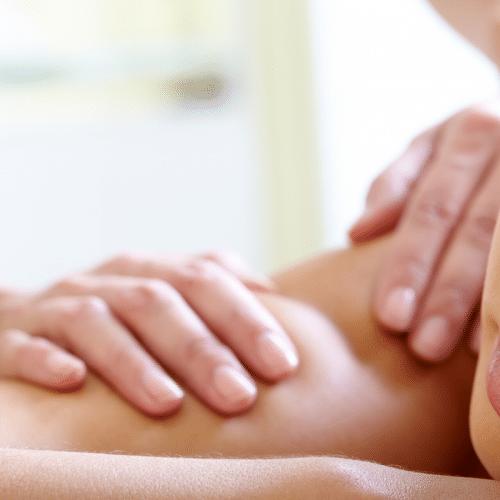 Massage ayurvedique et kinesitherapie
